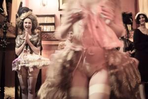 Dr Sketchy's - Gypsy Wood - Sucre d'Orge - Dix-huitième siècle, Dr Sketchy's Anti-Art School, Sorrel Mocchia Di Coggiola , Lada Bonaveri Tvrtkovic, Stella Polaris, Gypsy Wood, Paris