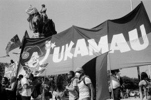 Manifestant Plaza Baquedano - Jukamau