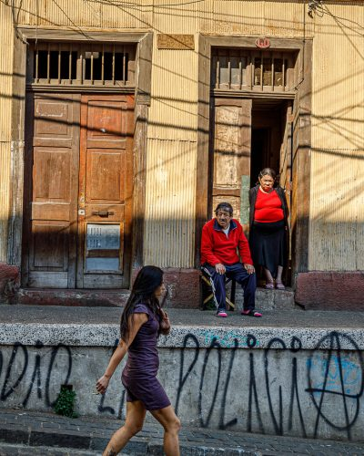 Tags et choc des générations dans la vielle ville